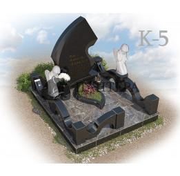 Мемориальный комплекс из двух видов гранитов. К-5