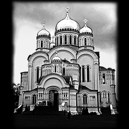 храмы и церкви на памятниках